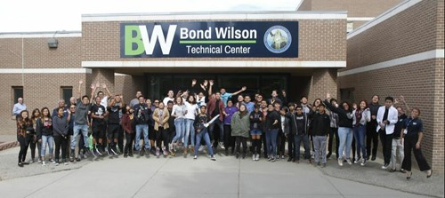 Students in front of the Bond Wilson Technical Center building